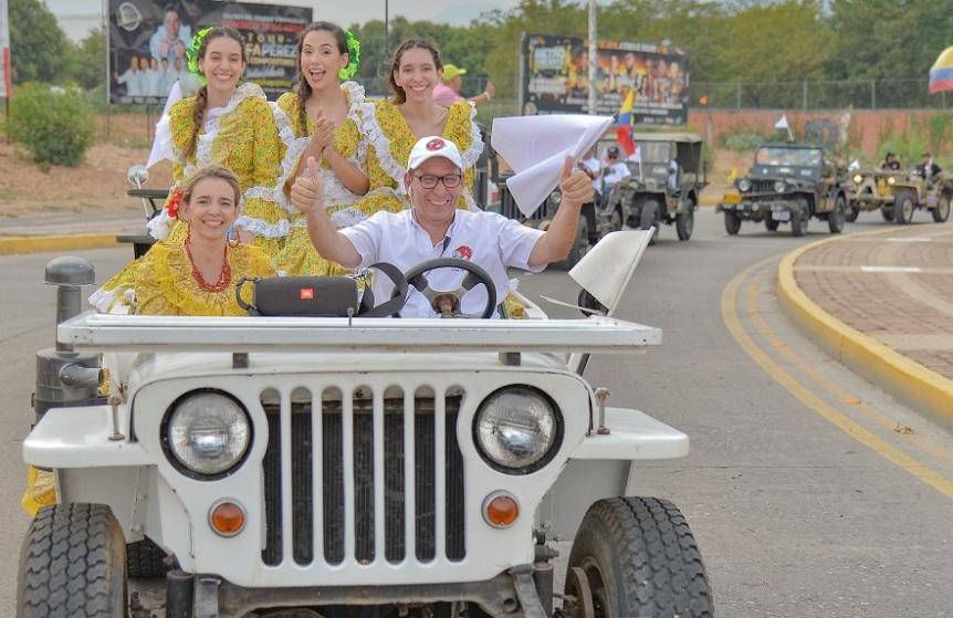 Valledupar se engalanó con el concurrido desfile de los Jeep WillysParranderos